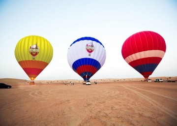 HOT AIR BALLOON – Catch a glimpse of the sun and the sky. !!!